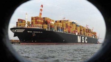 Mit 365 Meter Länge und 51 Meter Breite ist die MSC Daniela eines der weltweit größten Containerschiffe